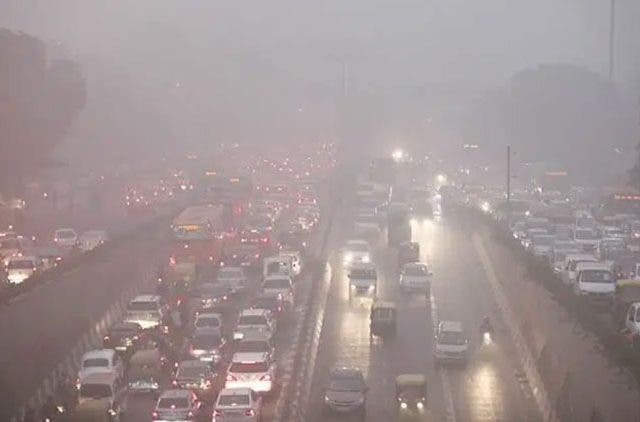 Delhi air quality remains in 'Severe' category