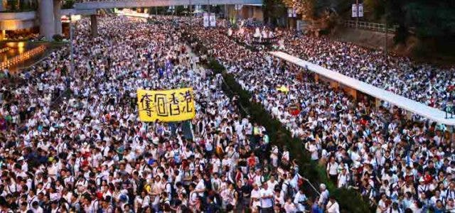 hong-kong-protest-bill-suspended-trending-today-DKODING