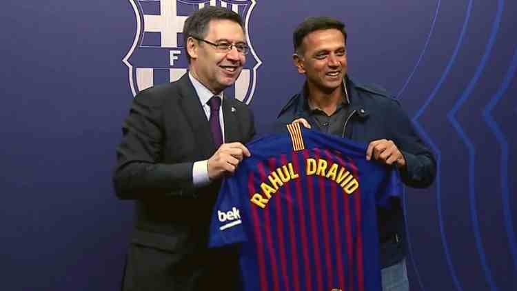 rahul-dravid-welcomed-by-barcelona-fc-football-sports-DKODING