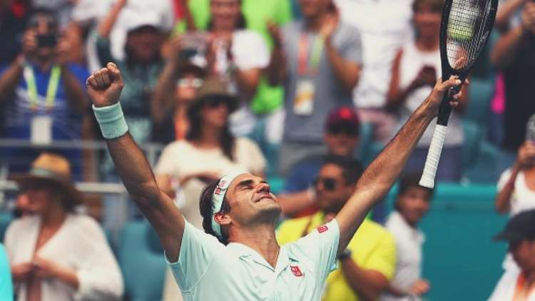 roger-federer-after-winning-the-match-from-john-isner-at-miami-open-tennis-sports-DKODING