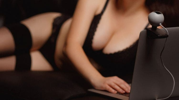 Sexting Is The New Way To Tap Into Your Wild Fantasies