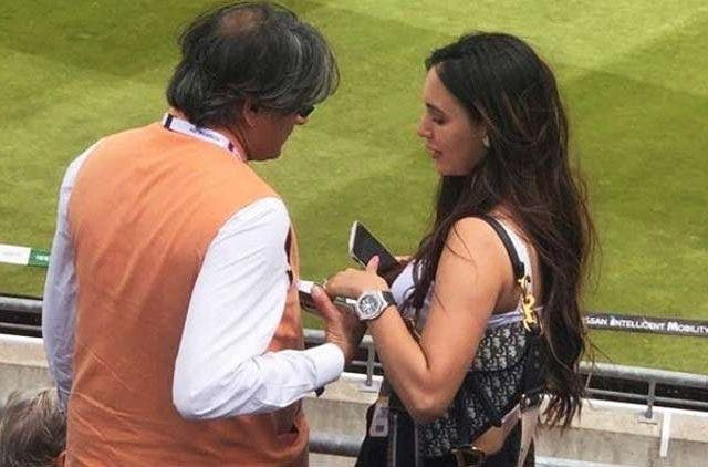 shashi-tharoor-mysterious-woman-ind-eng-trending-today-DKODING