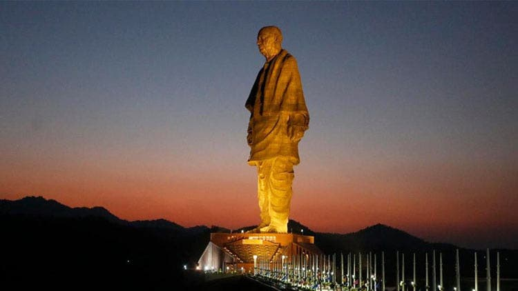 statue-of-unity-flooded-1-trending-today-DKODING