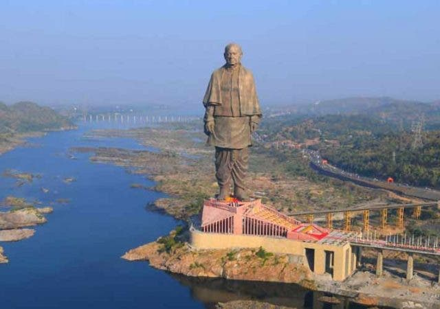 statue-of-unity-flooded-trending-today-DKODING